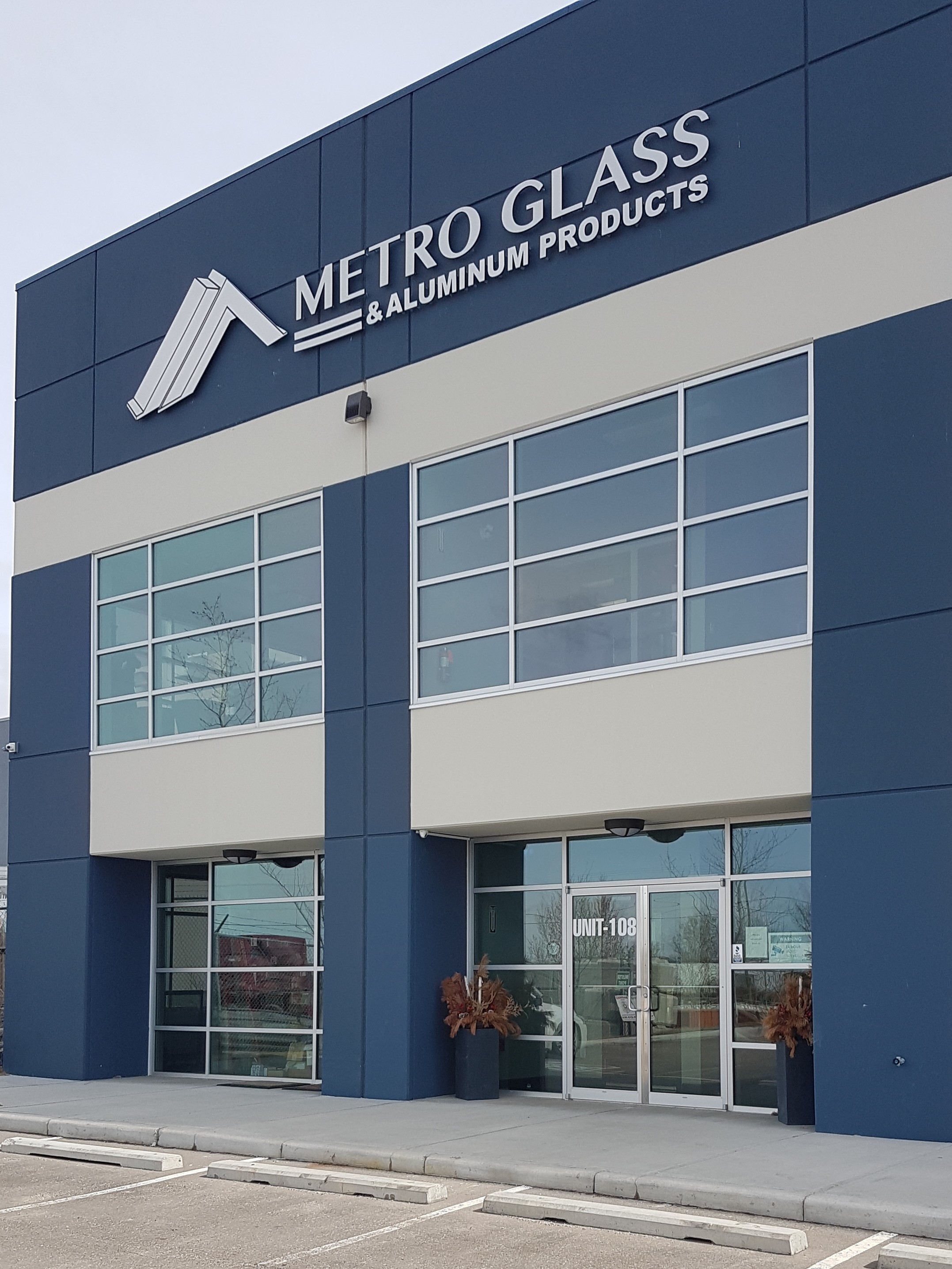 Metro Glass Products Now Ships Canada Wide and Western United States.